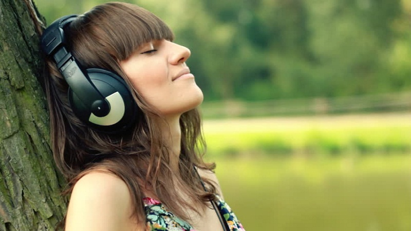 How Listening to Music is Beneficial for your Mental Health?