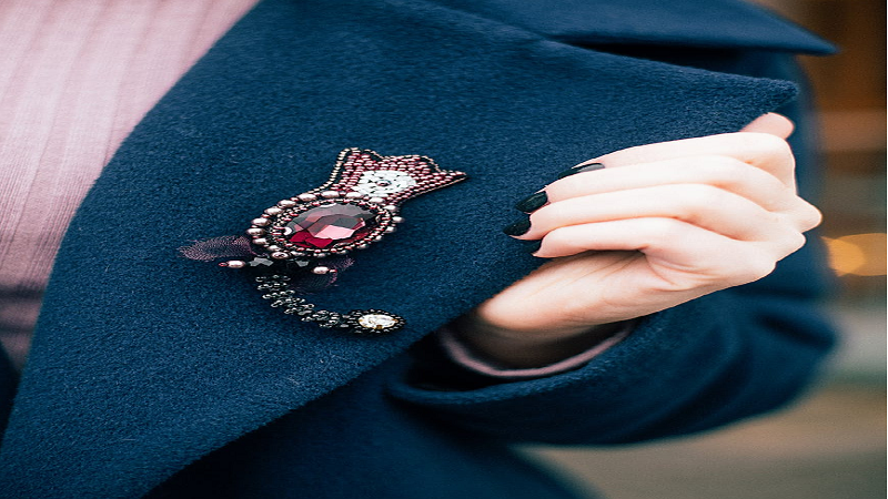 Ways to wear lapel pin