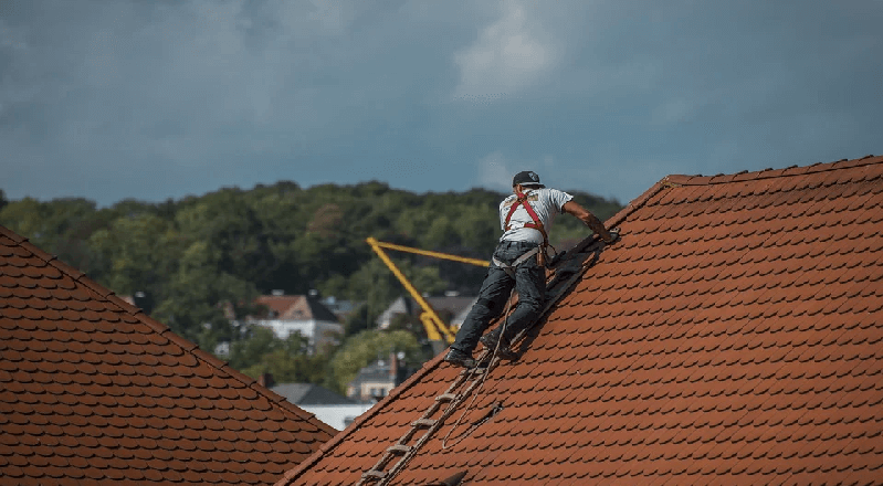 Maintenance Roofs Made With Roofing Roll Materials